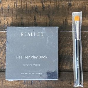 Realher eyeshadow palette with brush